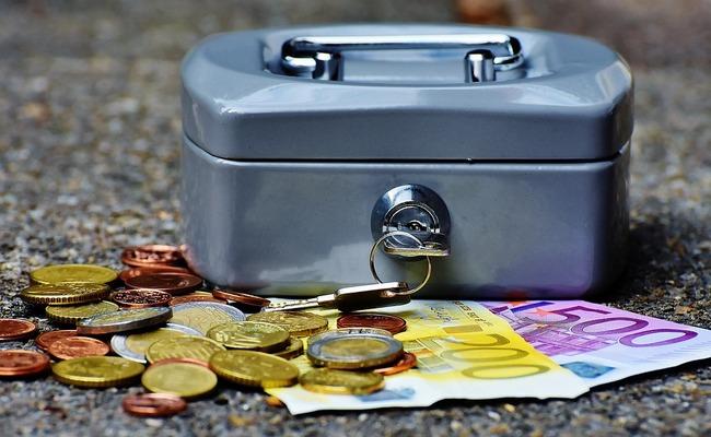 Заначка от жены: где муж прячет деньги и зачем - Советы психолога